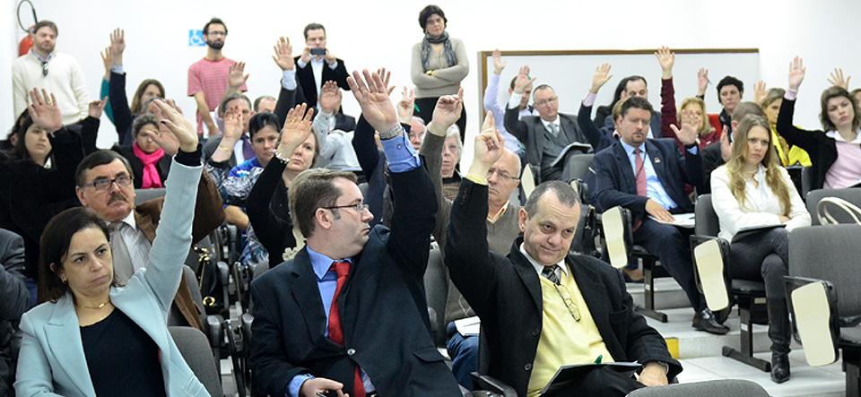 Assembleia define estratégias para resolver situação dos prestadores de serviços com o IPE-Saúde