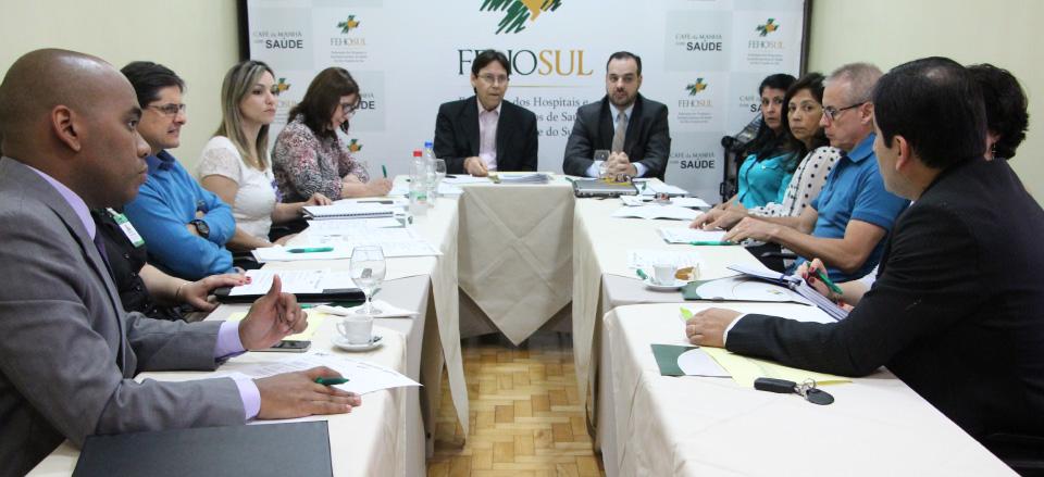 Grupo Técnico se reúne na FEHOSUL para debater processo de migração