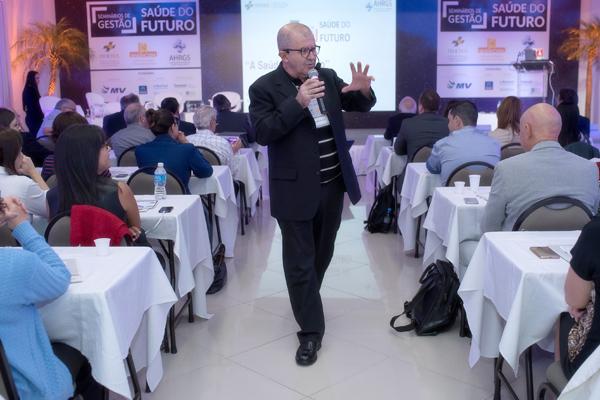 A-Saúde-do-Futuro-reúne-200-participantes-em-Porto-Alegre-1