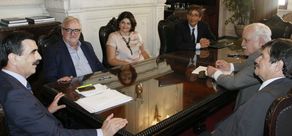 FEHOSUL volta à Casa Civil e pede solução para os atrasos de pagamento do IPE-Saúde